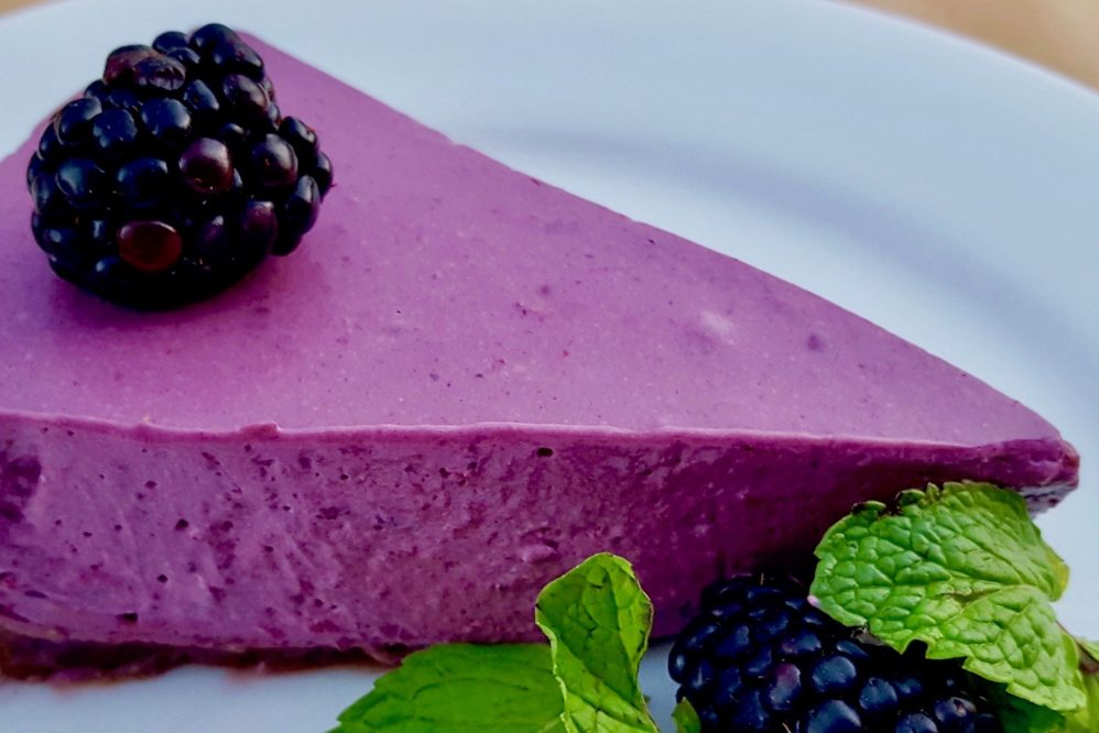 Summer blackberry cheesecake